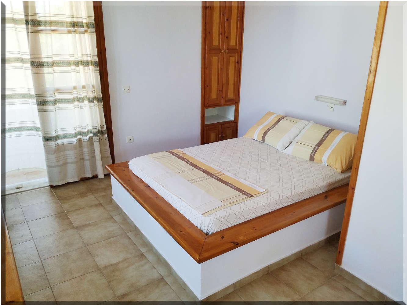 Ενοικιαζόμενα Δωμάτια 13